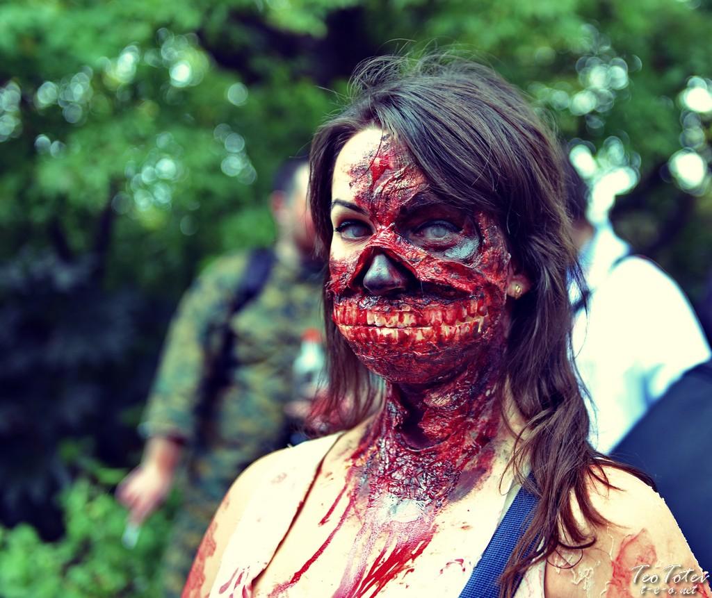 Walking Death girl
