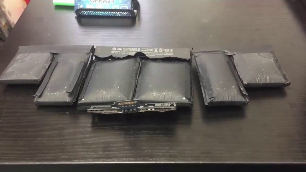 Mac Book Pro Battery Swelling