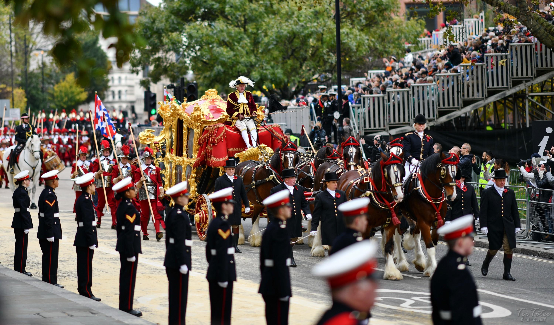 Golden Horse Carriage