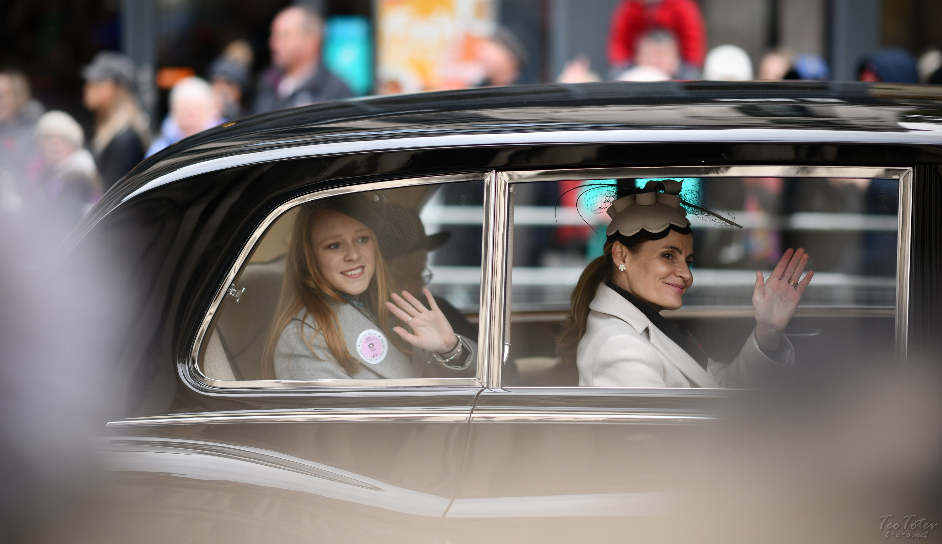 Minor royals in state limo