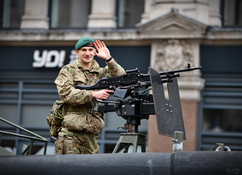 UK Soldier Salure